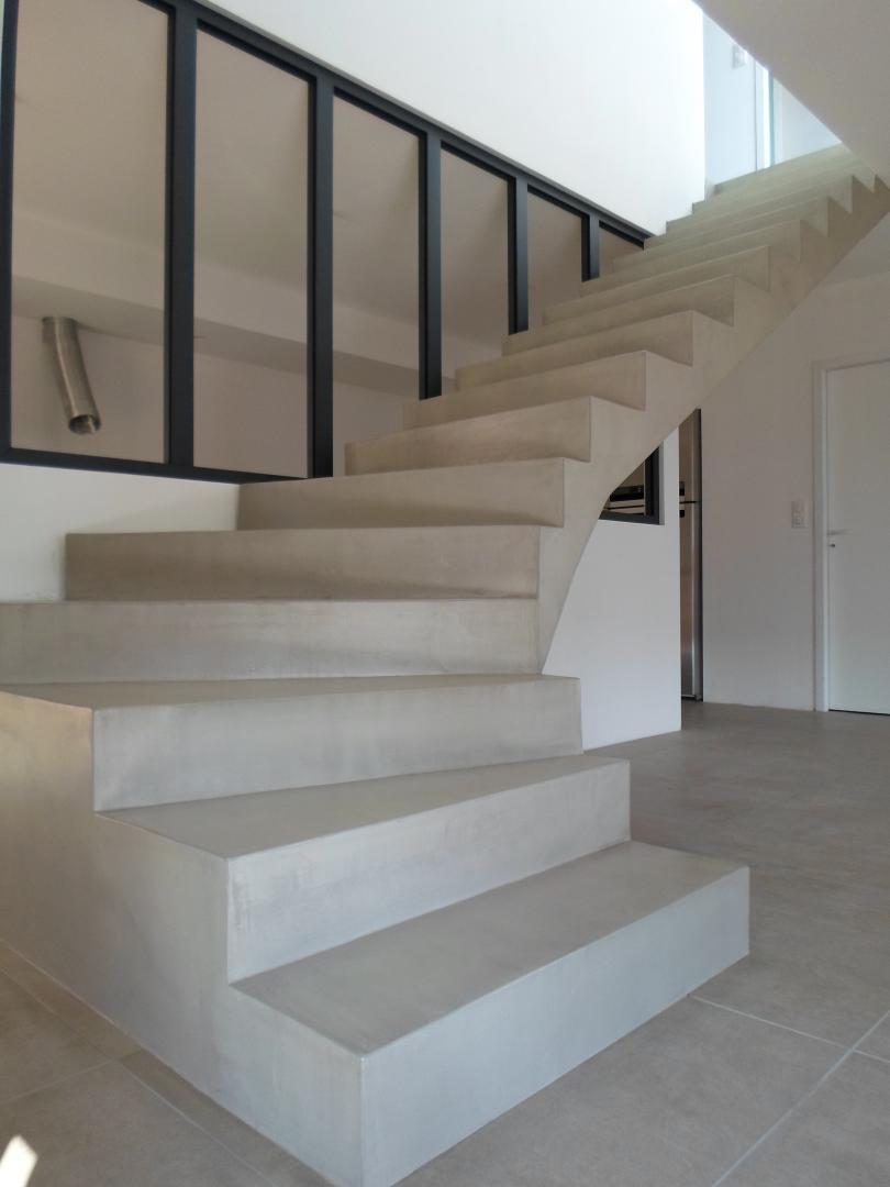 fabrication-escaliers-tournant-beton-pyrenees-orientales-elne
